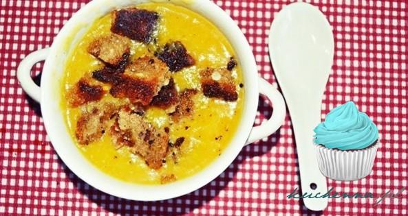 Pikantna zupa krem z dyni.
