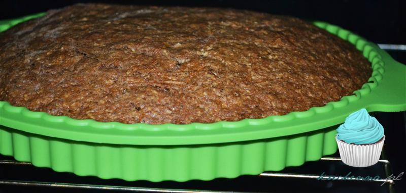 Korzenne ciasto marchewkowe- bardzo prosty przepis.
