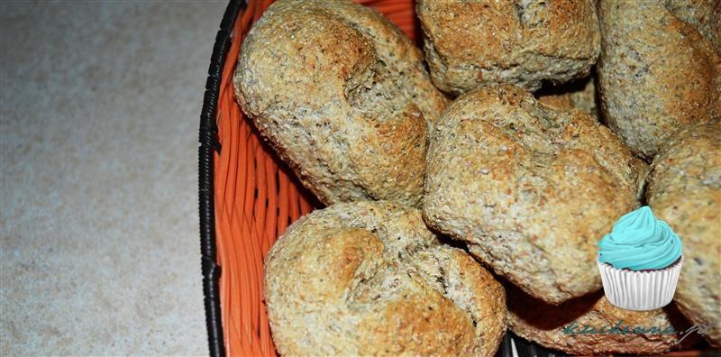 Bułeczki a'la grahamki ziołowo-czosnkowe