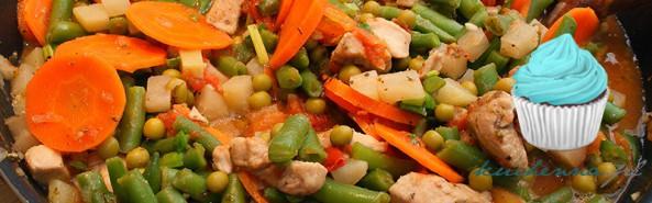 Kolorowa potrawka z kurczakiem